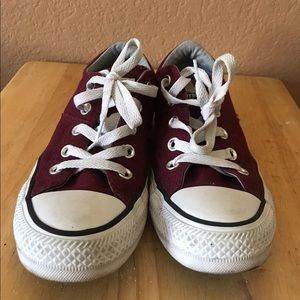 Converse burgundy excellent condition